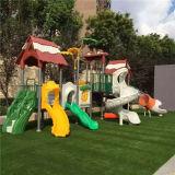 遊園地のスライドの屋外の体操装置のプラスチック運動場の製造業者