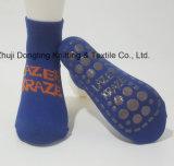 Chaussette antidérapante de sport de chaussette non de dérapage antidérapage de coton de tremplin