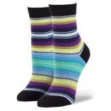Produzierte Spitzen-OEM/ODM hohe abgestufte Komprimierung-Socken