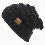 レディース秋の冬によって編まれるだらしない十字はキャップする帽子によって編まれるねじられた帽子(HW106)を