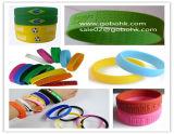 Braceletes das faixas de borracha dos Wristbands do silicone que fazem a máquina