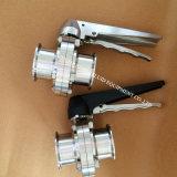 Válvula de mariposa sanitaria de la abrazadera del acero inoxidable del precio bajo de Ss304 Ss316L tri con la maneta de acero multi