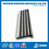 El aluminio redondeó la escalera Bullnose que olfateaba con las tiras del carborundo