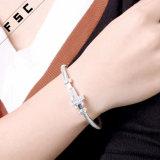 Brazalete cúbico simple de la pulsera del Zirconia para las mujeres como regalo de la dama de honor