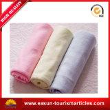 専門OEMは羊毛の小型小型の総括的なFoldableピクニック毛布の一面をおおう