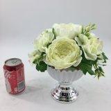 白い人工花の優雅な陶磁器のBonsai