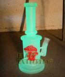 Incandescenza nel tubo di vetro scuro con il martello Perc e la foto del fungo vasca di gorgogliamento dell'acqua da 9 pollici