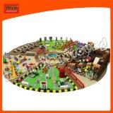 Спортивная площадка большого парка атракционов крытая с зоной Sandy ямы шарика