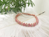 Pulsera roja del cristal del estiramiento del agua colorida mezclada de las piedras del encanto
