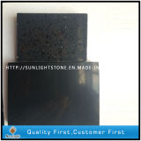 Preiswerter künstlicher schwarzer Quarz-Stein/Quarz mit Glas/Scheinen