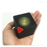 La moda cubo LED Mini radio FM altavoz inalámbrico compatible con USB TF para Música/llamada