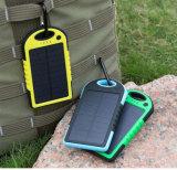 Chargeur extérieur de côté d'énergie solaire de course pour l'iPhone 5000mAh