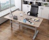 電気高さの調節可能で永続的なオフィスの管理のコンピュータの机