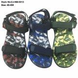 Sandali degli uomini di sport di colore di Camo di modo, sandali di Slingback