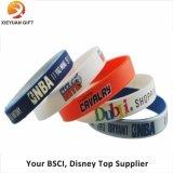 Bracelet fait sur commande bon marché en gros de silicones de sport de mode