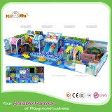 Campo da giuoco dell'interno commerciale del gioco di piccolo disegno popolare