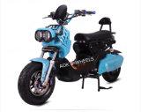[1200و] يتسابق درّاجة ناريّة كهربائيّة مع [لد-سد بتّري] ([إم-008])