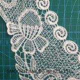 Il modo ha ricamato gli accessori dell'indumento del merletto del collare della collana del Crochet del cotone