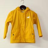 Gelbe mit Kapuze reflektierende PU-Regen-Umhüllung/Regenmantel