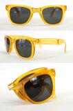 Het nieuwe Hete Modieuze Plastiek die van de Verkoop Zonnebril vouwen