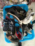 Используемые ботинки использовали ботинки самого низкого цены ботинок Mens используемые для сбывания