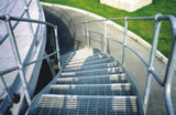 Reja del acero inoxidable del suelo de la escalera