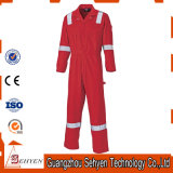 高い可視性反射テープつなぎ服が付いている赤い空港Workwear