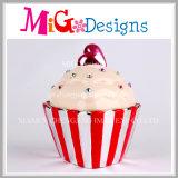 コップのケーキの整形低金利バンクが付いている陶磁器のクラフト