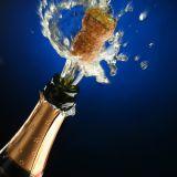 Sekt/Champagne, die Maschine bekorkt