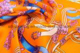 A forma 2017 projeta o lenço de seda impresso Digitas
