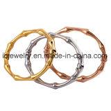 Tres conjuntos de bambú color brazalete de acero inoxidable