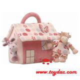 Заполненная игрушка комнаты младенца коровы