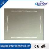 Quadratisches geformtes an der Wand befestigtes mit hellem Badezimmer-Spiegel des Noten-Schalter-LED