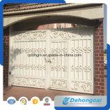 庭の装飾用の古典的な錬鉄のゲートかドア