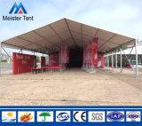 De grote Tent van het Pakhuis die als Huis en Opslag van de Tijdelijke Opslag wordt gebruikt