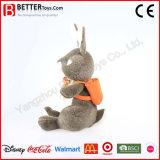 Angefülltes Kaninchen-Spielzeug-nettes weiches Häschen in der Schultasche