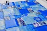 Mosaico cristalino rojo y azul para la sala de estar