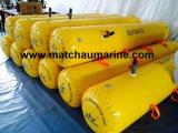 A inspeção anual de baleeiras sacos de peso com água