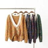 女性の長く緩い袖のウールのセーター最新のデザイン大きいV首の冬のセーター