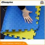 トレーニングのためのエヴァの泡の床のTeakwondoの体操のマットをかみ合わせる良質