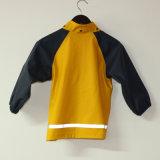Revestimento reflexivo da chuva do plutônio do amarelo contínuo para crianças/bebê