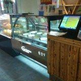 Congelatori italiani della vetrina del gelato di Gelato