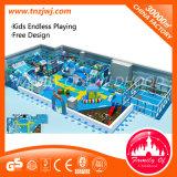 Le thème d'océan badine le labyrinthe d'intérieur de cour de jeu de labyrinthe de zone