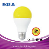 A60 9W jaune 550-580nm Rg0 Ampoule de LED de l'insectifuge avec crochet pour le camping