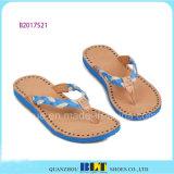 Тапочки части пляжа голубого неба для женщин