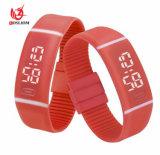 方法デジタルLED表示はゼリーのシリコーンのバンドマンの女性の腕時計の電子腕時計#V906を遊ばす