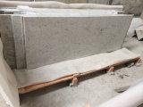 河川水の台所、浴室のための白い花こう岩の石のカウンタートップ