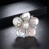 Anello bianco di modo della perla delle coperture del fiore su ordinazione del nuovo modello