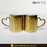 De hart-gevormde Mok van de Koffie van het Handvat Ceramische