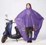Großverkauf gedruckte Firmenzeichen-Form-Regenmantel-mehrfachverwendbare Regenkleidung für Reiten